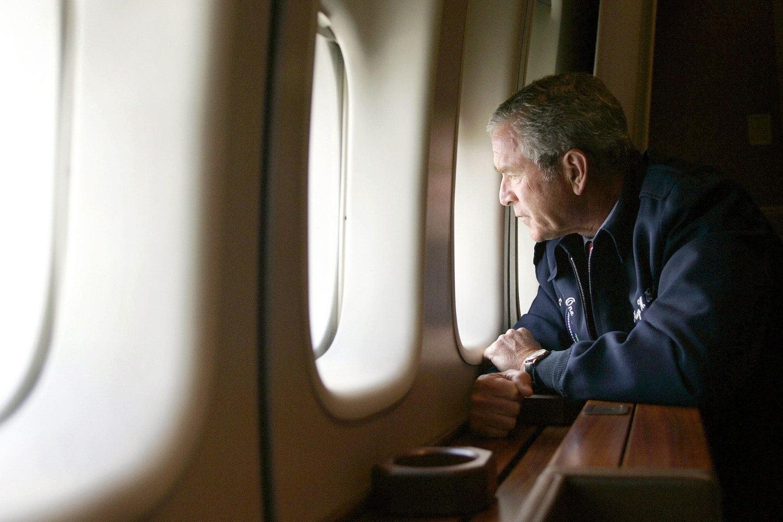 Bush Katrina AirForceOne 1500
