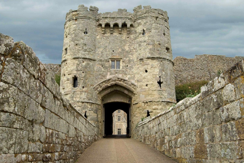 Gate castle 1500 crop
