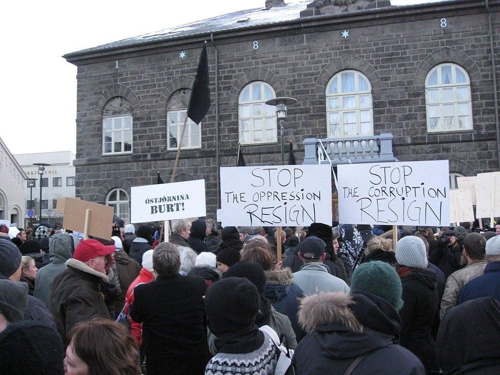 Photo of protest in Reykjavik, Iceland, happening on November 15, 2008.
