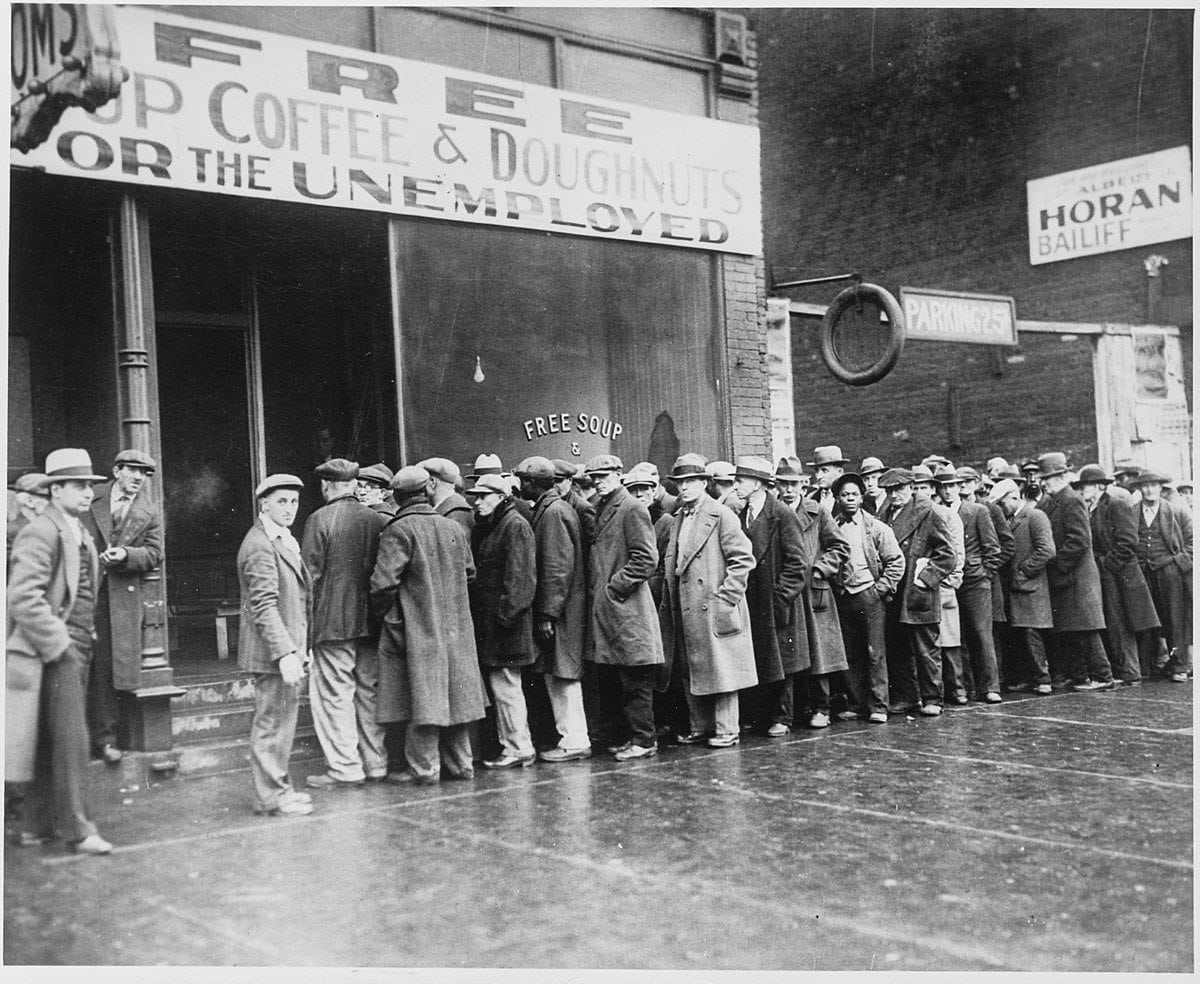 March Jobs Report Nothing Moving: photo of unemployed people in bread line in 1930s.